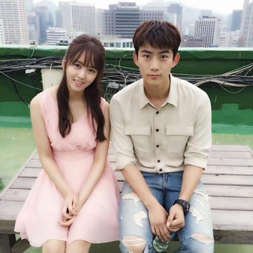 戦おう、幽霊」2PMテギョン&キム・ソヒョン、微笑ましいツーショット ...